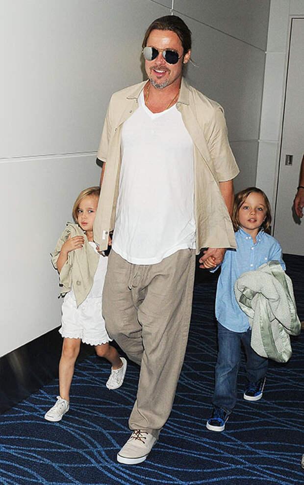 Брэд Питт проведет Рождество с детьми, несмотря на судебные разбирательства с Анджелиной Джоли