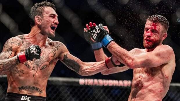 Макс Холлоуэй победил Кэлвина Каттара в главном бою турнира UFC Fight Island 7