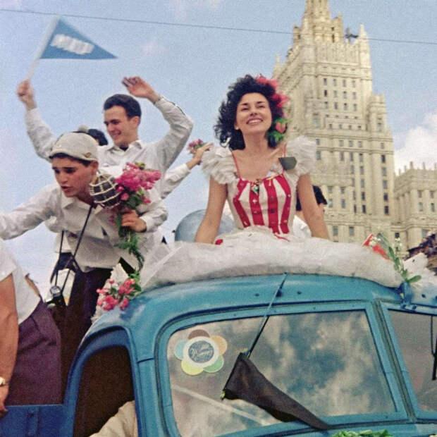 festival molodezhi studentov Moskva 1957.jpg 4