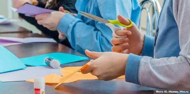 Парк ремесел на ВДНХ подготовил мастер-классы по созданию символов Дня всех влюбленных. Фото: Ю. Иванко mos.ru