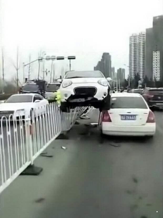 Дорожные инциденты Автовсячина, авария, авто, автоприкол, дтп, прикол