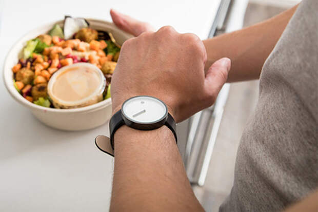 Диетологи развеяли семь мифов вокруг похудения издорового питания