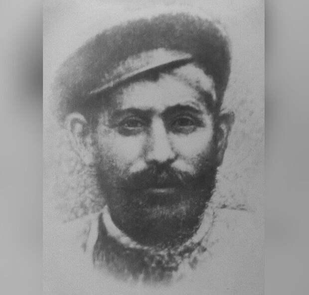 Действительно ли Иосиф Сталин имел сводных братьев?