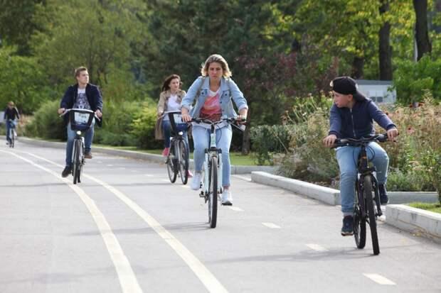 """Велопрогулка по природным зонам / Фото: АГН """"Москва"""""""