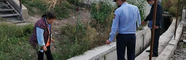 Пять домовладельцев оштрафовали за слив стоков в реки в Турксибском районе Алматы
