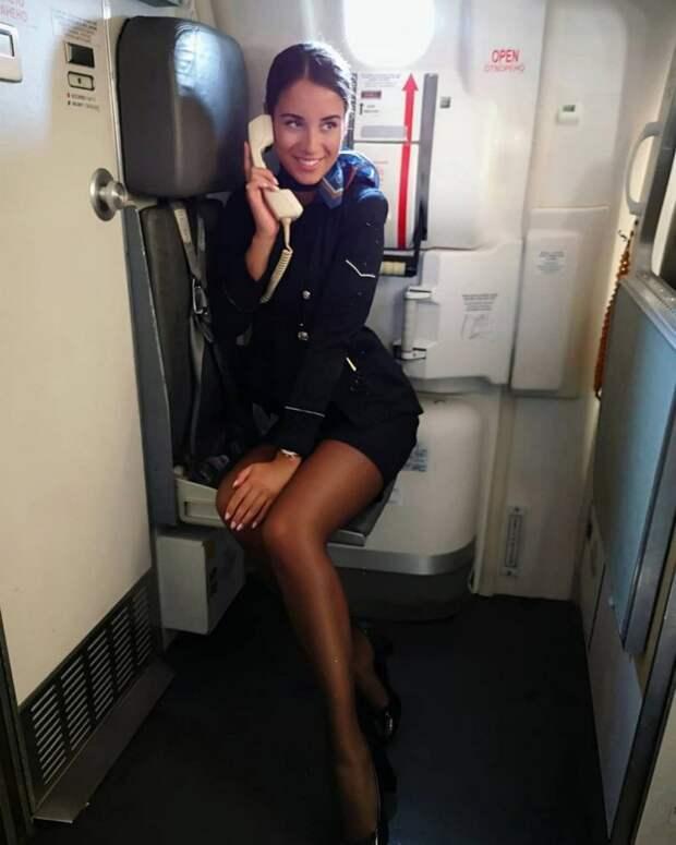 Ах, ну какие же красотки работают стюардессами!