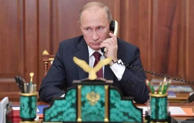 Путин попросил экспертов оценить возможность сокращения нерабочих дней