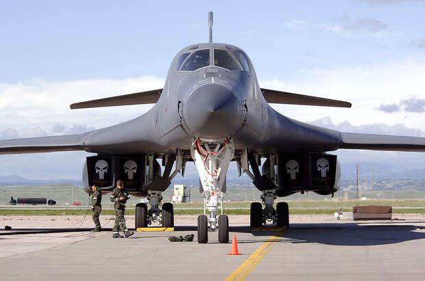 Сенат США бьет тревогу - всего 10 процентов бомбардировщиков B-1 Lancer являются боеспособными