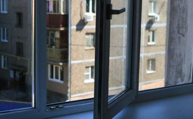 В Одессе пожилой мужчина выбросился из окна