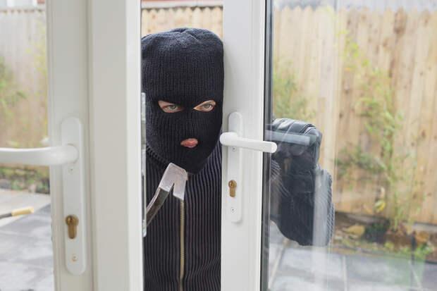 Во время ограбления квартиры вор заснул на месте преступления