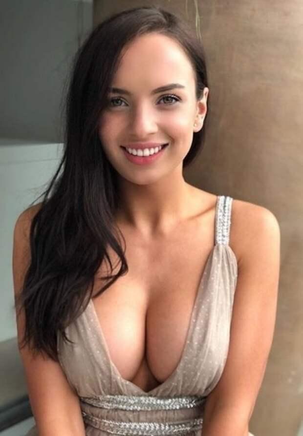 Красивые девушки с милыми улыбками (26 фото)