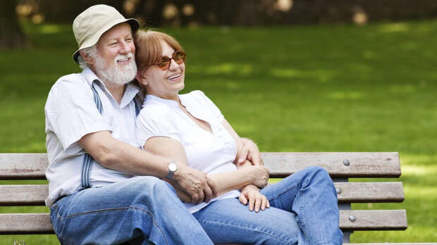 """Где можно познакомиться с хорошими и """"адекватными"""" мужчинами после 60. Я же лично считаю, что лучше быть одной..."""