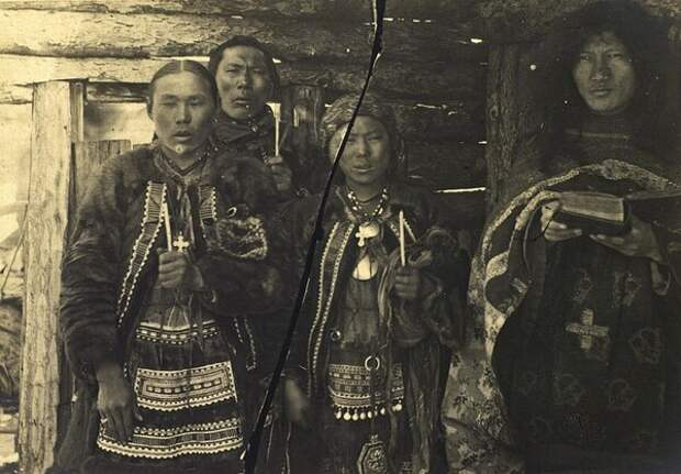 Венчание. Неизвестный автор, 1885-1899 год, Якутская обл., Кунсткамера.