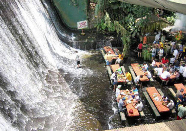 уникальное кафе-водопад