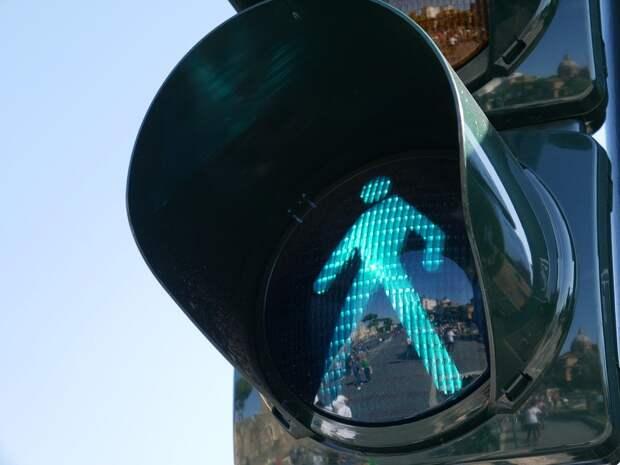 На Бескудниковском бульваре починили светофор