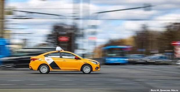 Собянин выделил средства организаторам бесплатной перевозки врачей на такси . Фото: mos.ru