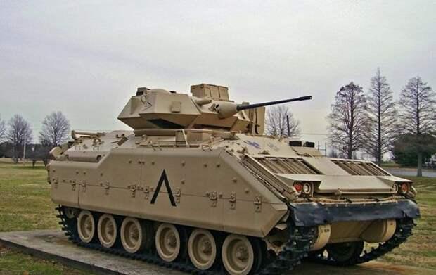 США отправили в Сирию боевые машины для защиты от сил России