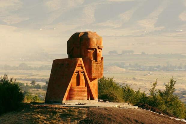 Должны ли русские умирать за Карабах?