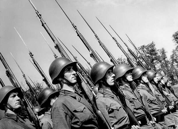 В своих оценках военно-политическое руководство гитлеровского Рейха недооценило реальный потенциал Красной Армии