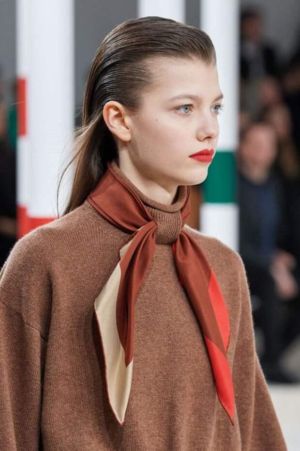 Водолазки Hermès под платки