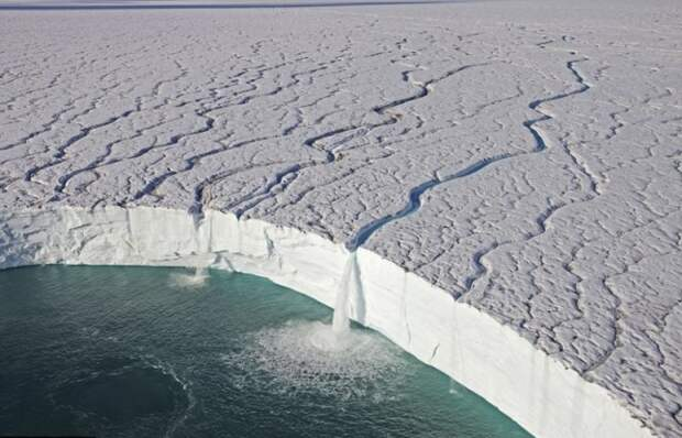 реки талой воды на Шпицбергене