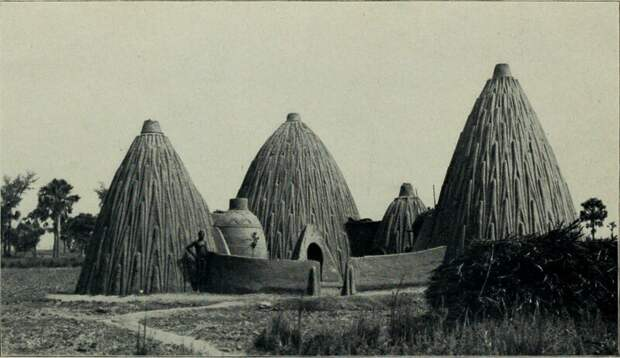Мусгум и их знаменитый дома, называемые толеками и именуемые на французском языке «case obus» (гранитные дома), известны на Западе по крайней мере с 1850-х годов, когда немецкий исследователь Генрих Барт отправился в северную и центральную Африку архитектура, африка, интересное, строительство, факты, шедевры