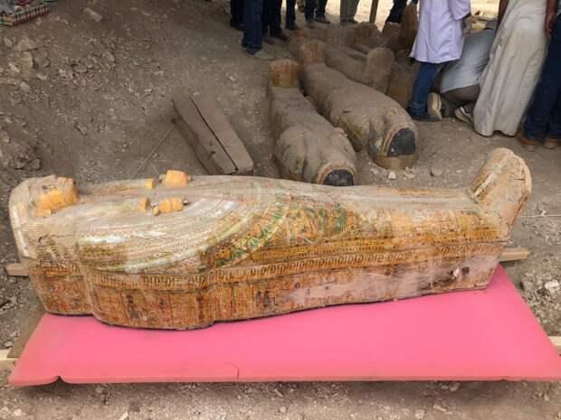 Тайник с мумиями: археологическая сенсация в Египте