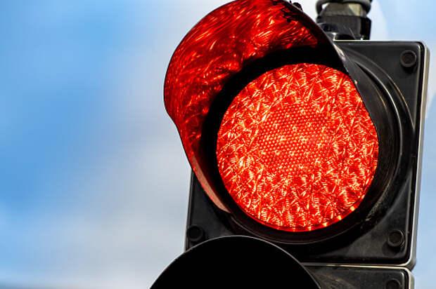 В аварии на Дмитровке пострадала женщина — водитель