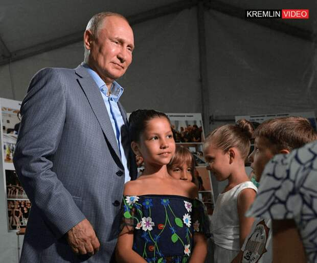 Путин встретился с будущими учащимися Академии хореографии Севастополя