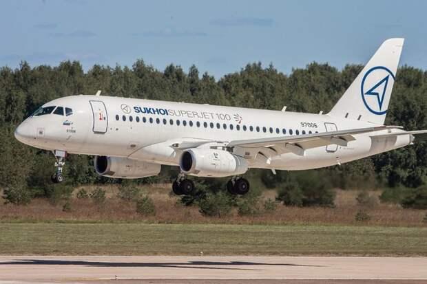 Самолет Sukhoi Superjet-100 выходит на рынок авиатранспортных услуг ООН