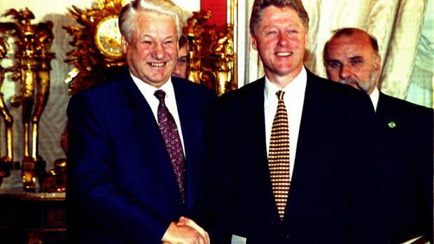 Россию продали за ножки Буша. Ельцин сам признавался в совместном управлении