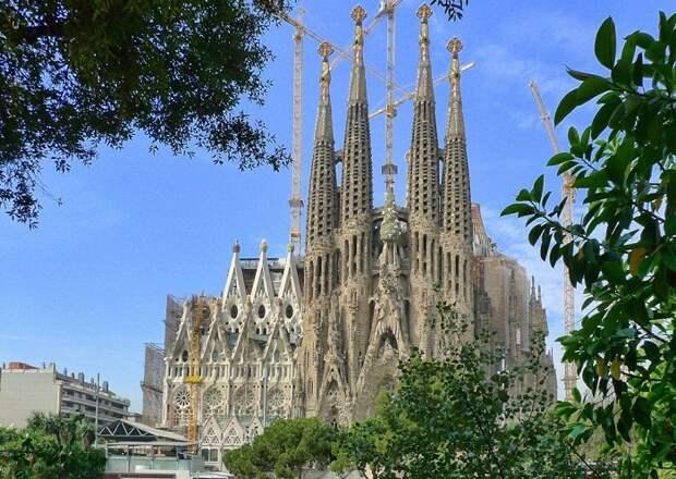 Собор святого семейства – главный шедевр Антонио Гауди.