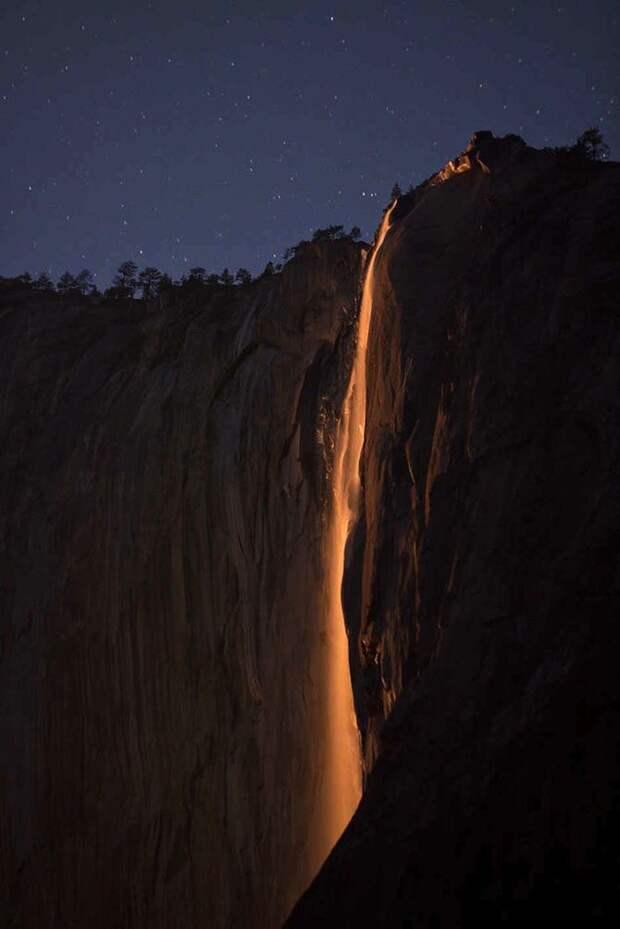 Огненный водопад и ещё 5 уникальных спецэффектов природы по всему миру