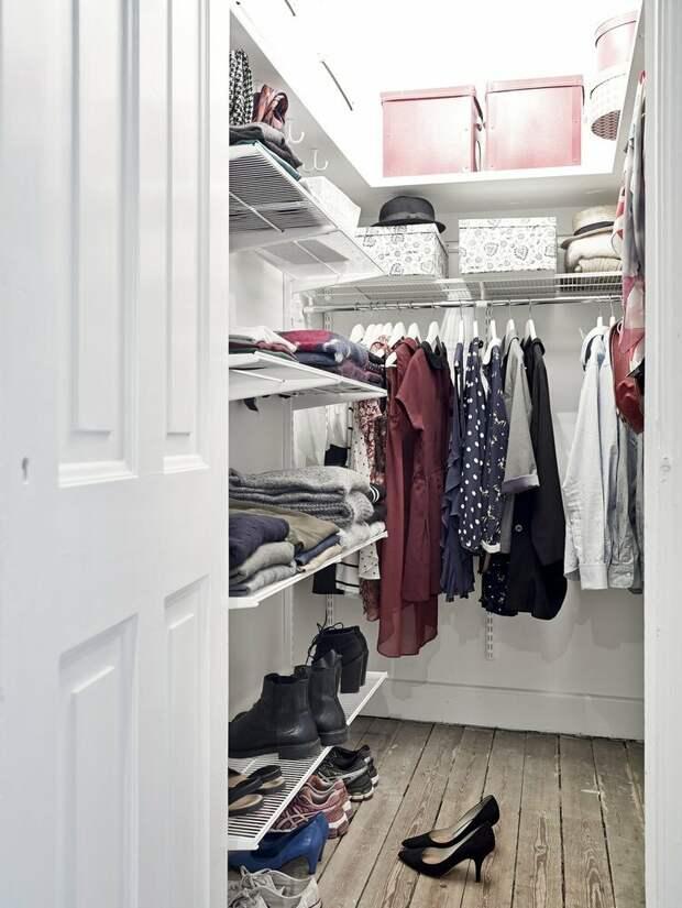 Куда спрятать вещи, когда нет места? Плюсы и минусы гардеробной в малогабаритке