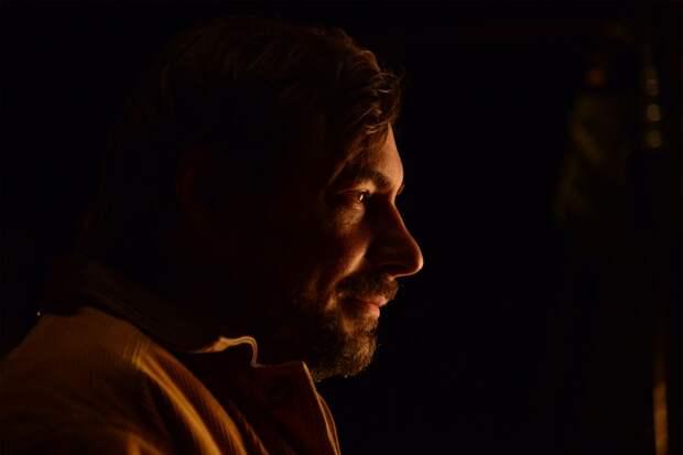 Центр имени Мейерхольда покажет премьеру спектакля Ивана Вырыпаева UFO с Евгением Цыгановым