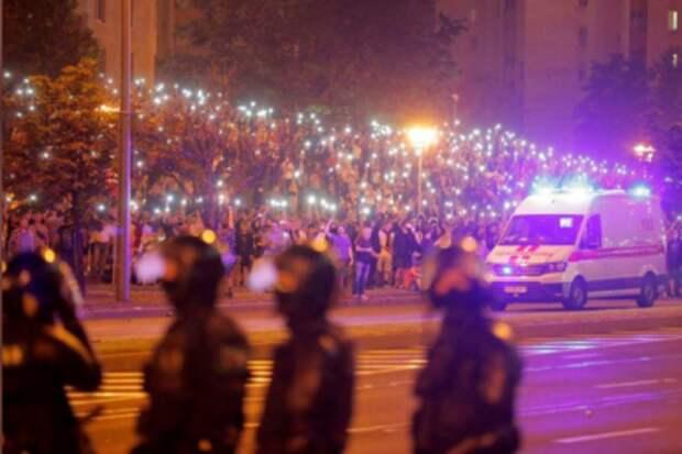 Акция протеста после президентских выборов в Белоруссии, Минск, 9 августа 2020 года. REUTERS/Vasily Fedosenko