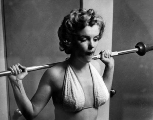 Мерлин Монро занимается фитнессом