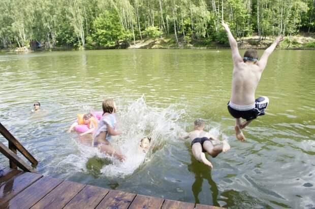 Жителям Можги разрешили купаться в городском пруду