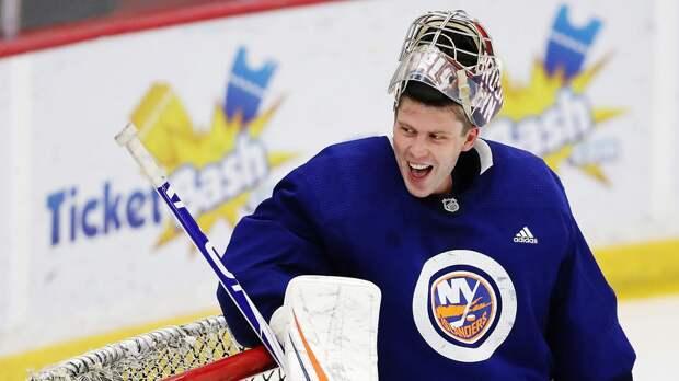 Варламов признан третьей звездой недели в НХЛ