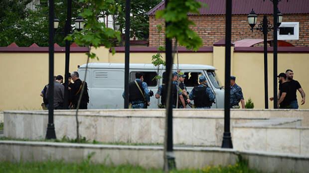 «Полиция предотвратила более тяжкие последствия»: напавшие на церковь в Грозном ликвидированы, их личности установлены