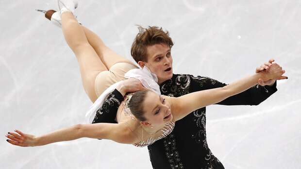 Русские тинейджеры Бойкова иКозловский внезапно выиграли Skate Canada. Они порвали чемпионов России