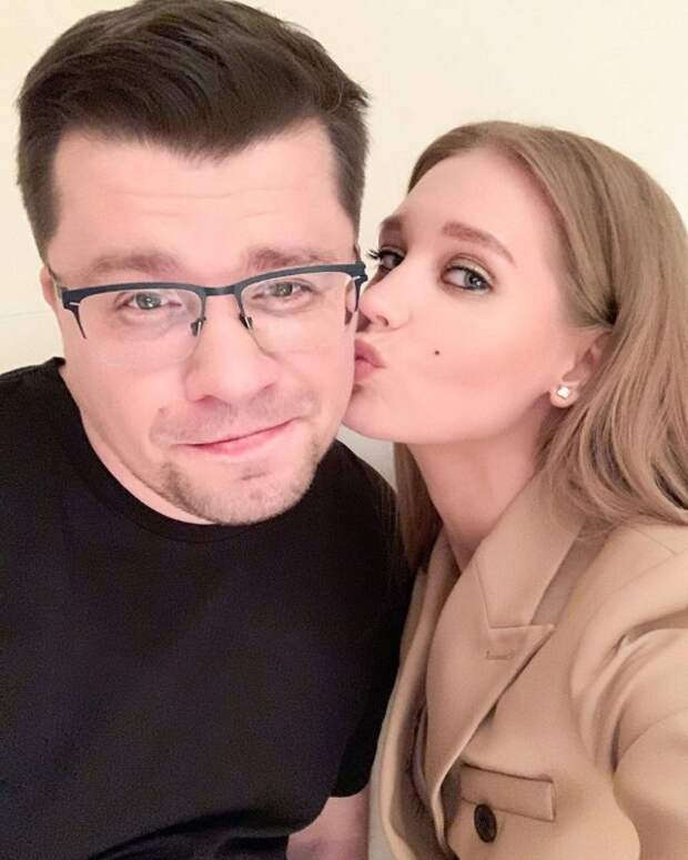 Развод Гарика Харламова иКристины Асмус назвали розыгрышем