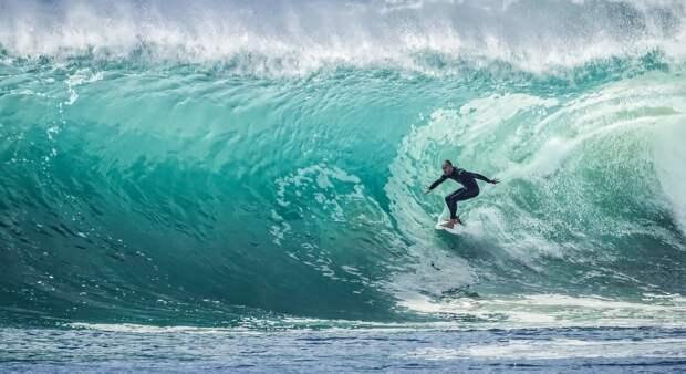 Лови волну: 5 мест для сёрфинга в России