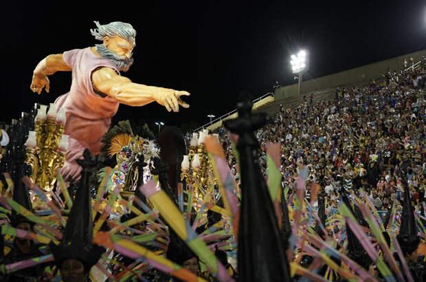 25 самых ярких кадров с карнавала в Рио-де-Жанейро