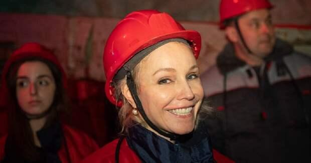 Российским звездам устроили кинопоказ в шахте