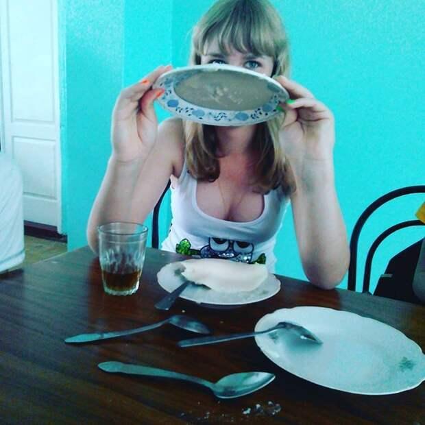 Этот фокус с кашей известен всем еда, прикол, столовая, юмор
