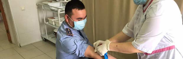 Полицейские помогли областному центру крови в Актау