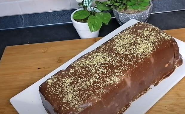Выкладываем печенье слоями и получаем торт: самый простой десерт без выпечки и теста