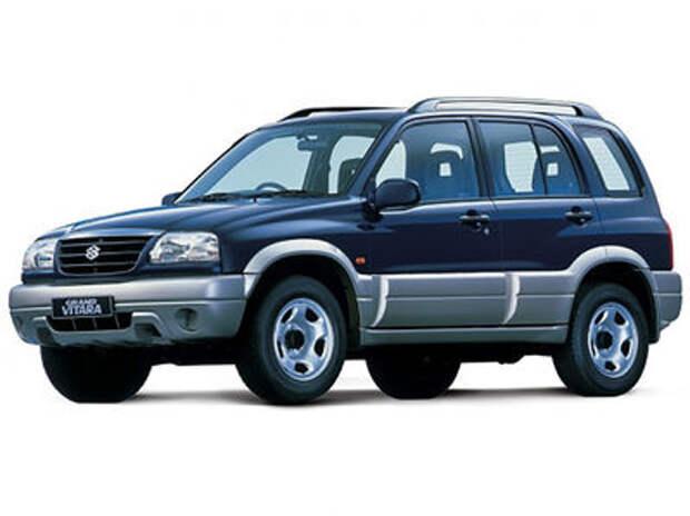 4 ДТП за 20 секунд: пенсионер на Suzuki устроил погром
