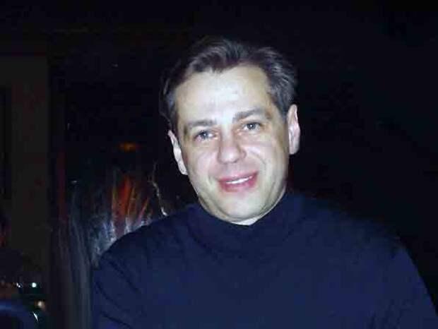 Алексей Дмитриев (https://www.kino-teatr.ru)